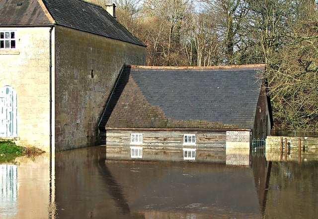 2007 : Claverton Pumping Station in flood