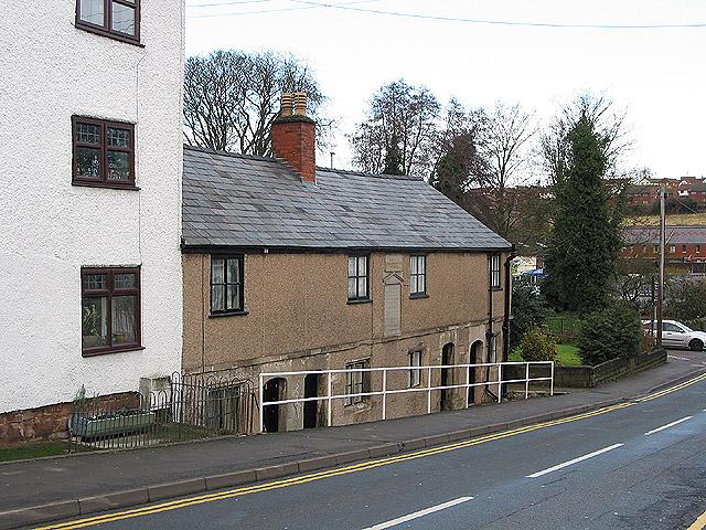 Pye's Almshouses, Edde Cross Street
