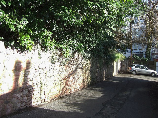 Wall on Sunbury Hill, Torquay