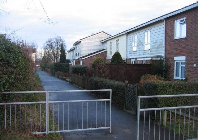 Path between Warwick Road & Bury Road