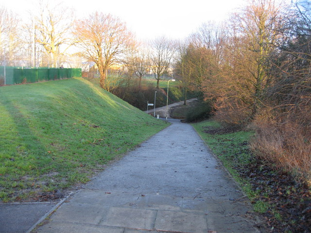 Footpath - south side of Winklebury playing fields