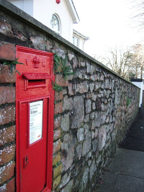 Victorian postbox, Thurlow Road, Torquay