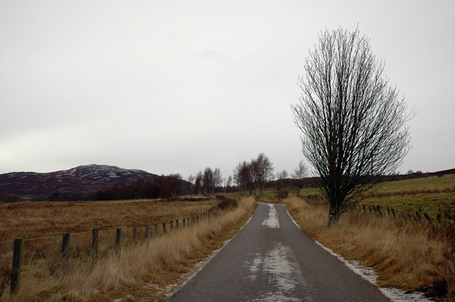 Minor road past Achnahannet