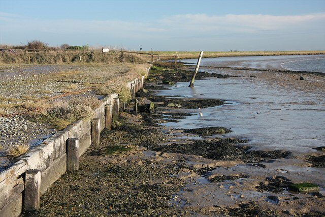 Retaining wall at Orford