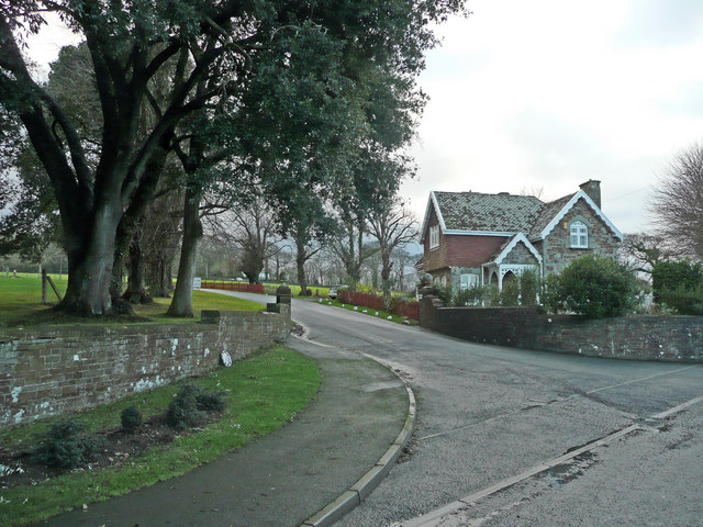 Lodge at the entrance to Moreton Park