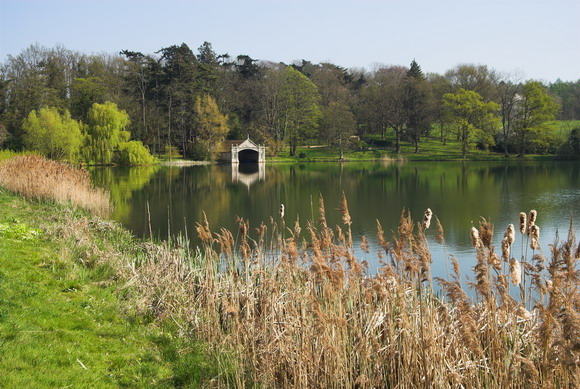 Burghley House Grounds, Lake and Boathouse