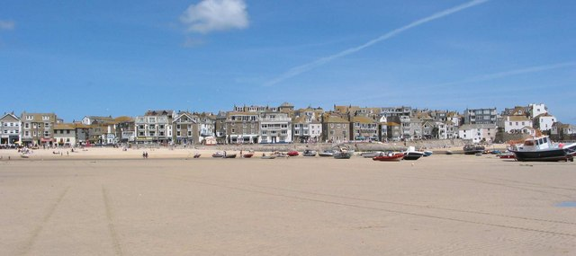 St Ives Beach & Harbour Wall