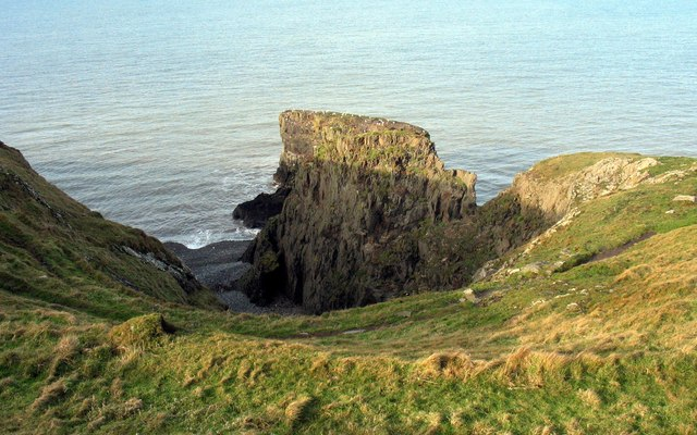 The Ynys Fawr cove and sea stack