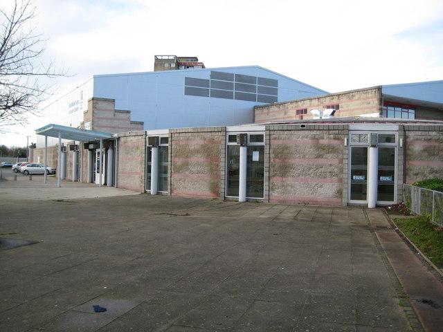 Oxford: Blackbird Leys Leisure Centre