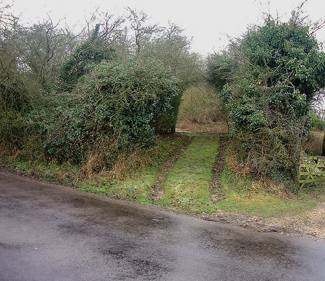 Barton Stacey -  Field Entrance