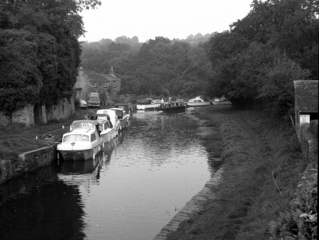 View north-west from Bridge 115, Monmouthshire and Brecon Canal
