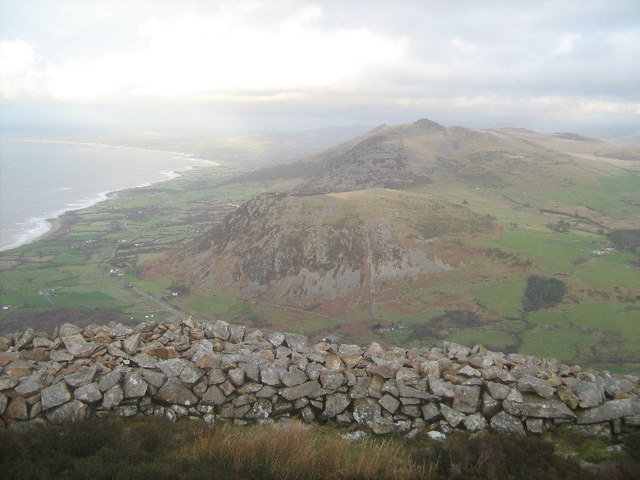 Looking north east from Tre'r Ceiri