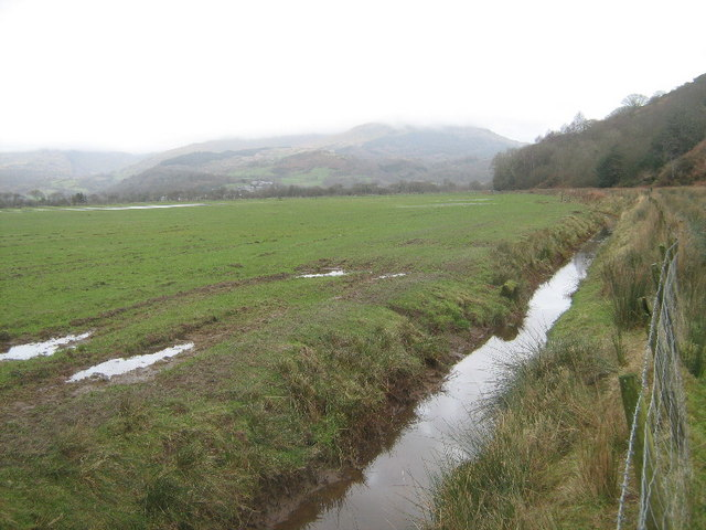Drain alongside Hir Ynys