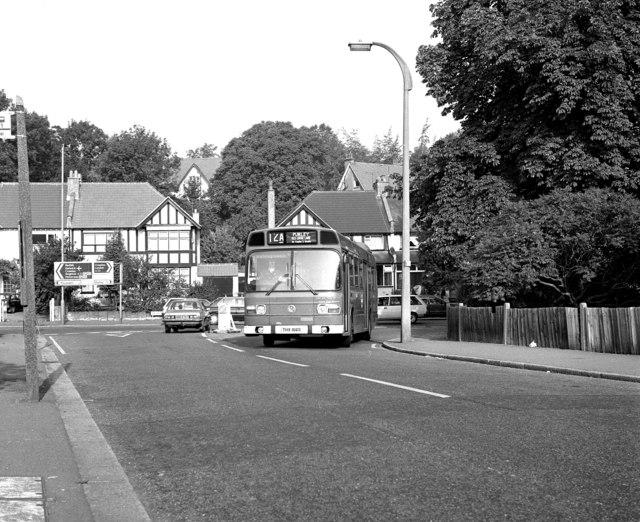 Stoats Nest Road, Coulsdon