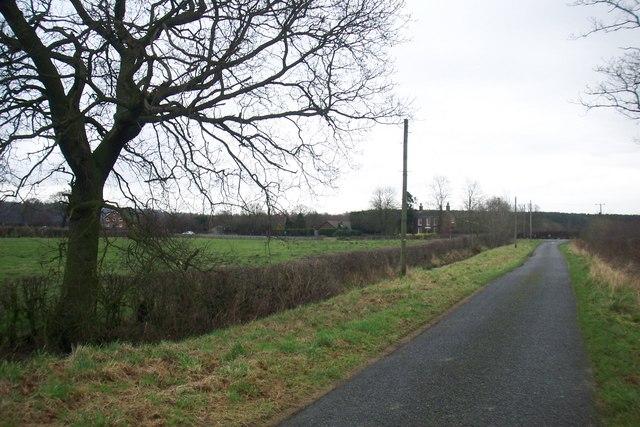 Along Low Lane towards Laughton House