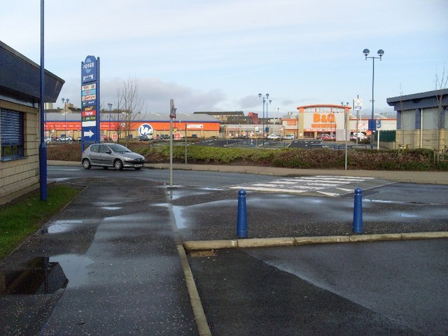 Big W and B&Q Warehouse, Forge Retail Park