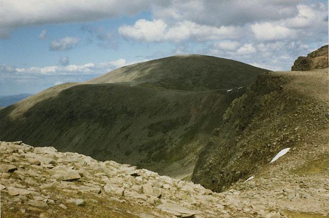 Col between Cairn Lochan and Stob Coire an t-Sneachda