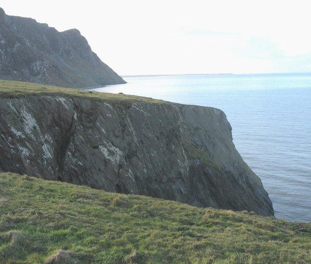 View south across a cove on Trwyn y Tal