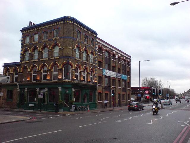 Albert Embankment at Tinworth Street, SE11 (1)