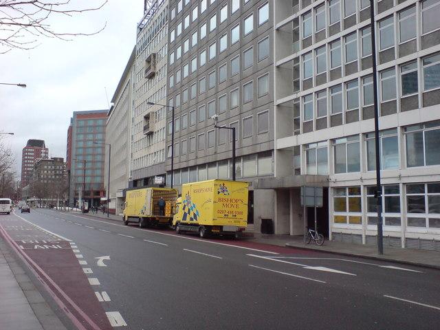 Albert Embankment at Tinworth Street, SE11 (2)