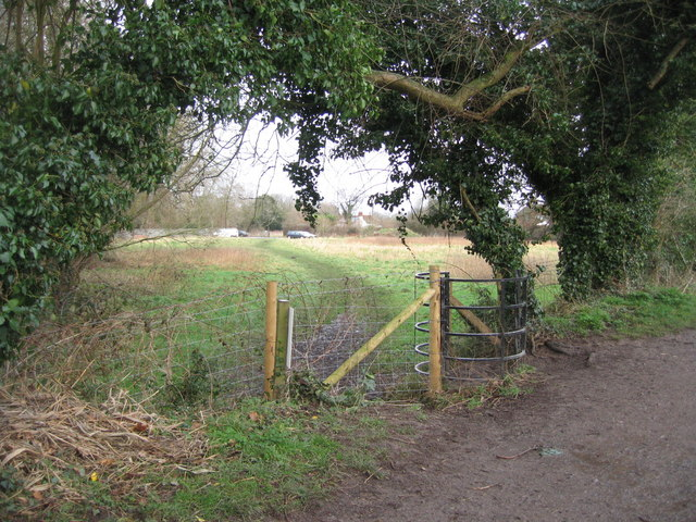 Footpath from Basingstoke Canal to nearest car park for Odiham Castle