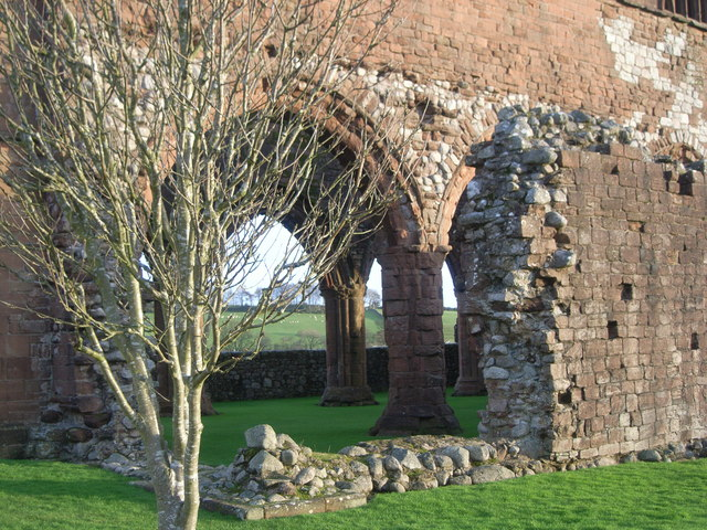 Sweetheart Abbey - side elevation