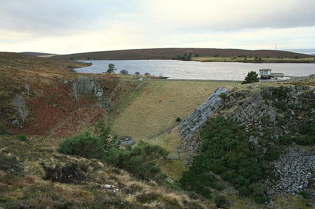 The dam wall of Clunas reservoir