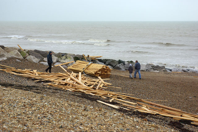 "South Lancing beach - ""Ice Prince"" cargo"