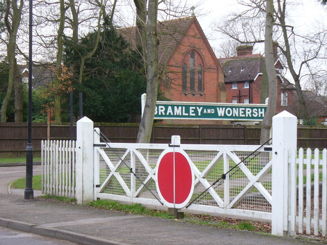Level Crossing Gates, Bramley