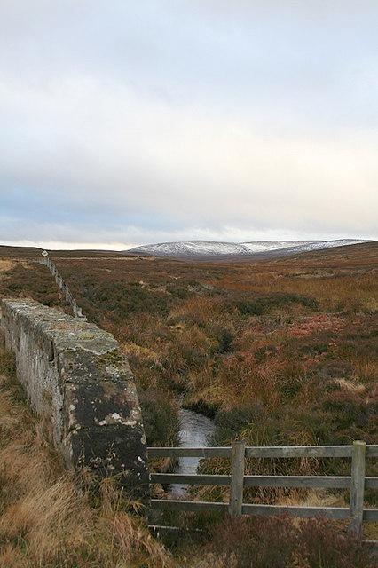 Snow clad hills to the sou'west by Allt na Leacainn