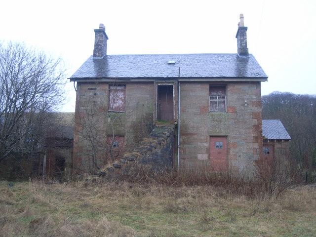 Derelict House, adjacent to derelict pub