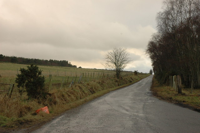 Minor road past Easter Brae