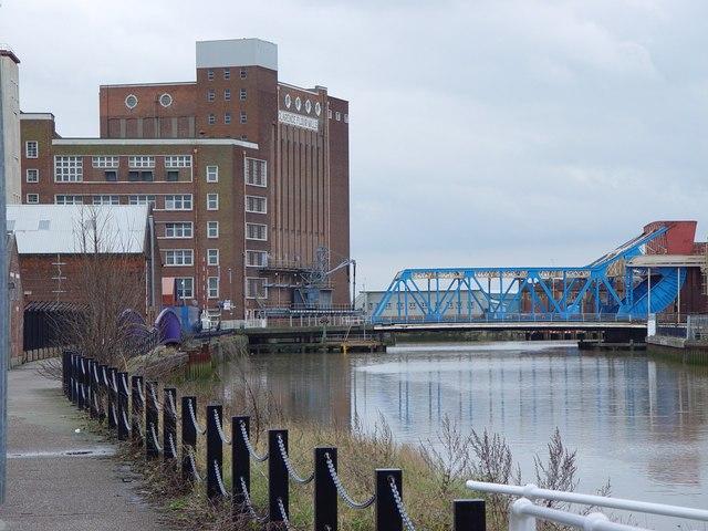 River Hull and Drypool Bridge