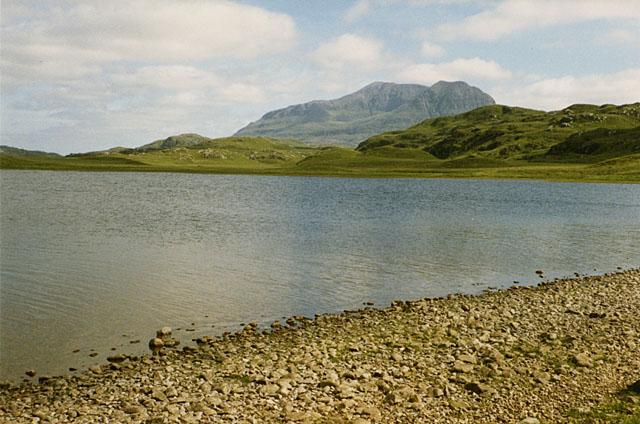 Fionn Loch shoreline