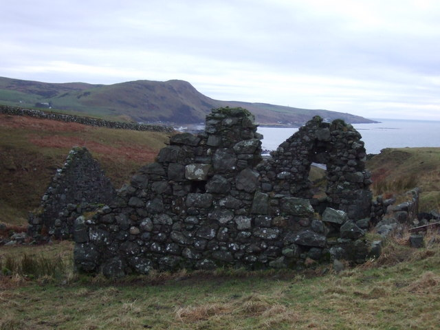 Ruined Building above Pinbain Burn