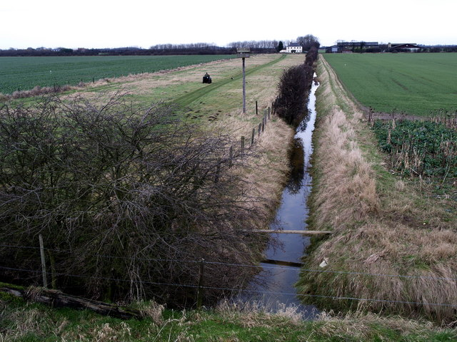 Farm track and drain from Sands House Farm
