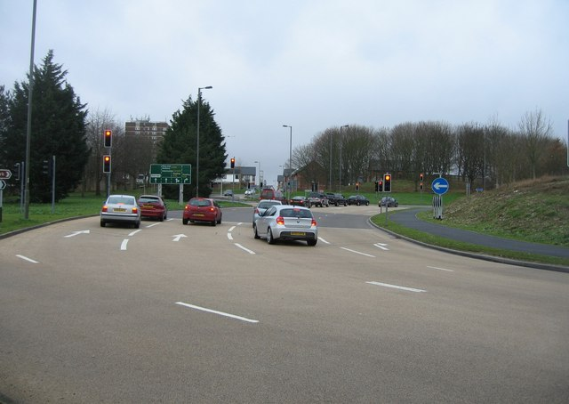 Reading Road roundabout - new layout