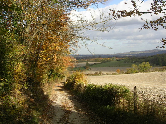 Along the Midshires Way towards Bledlow