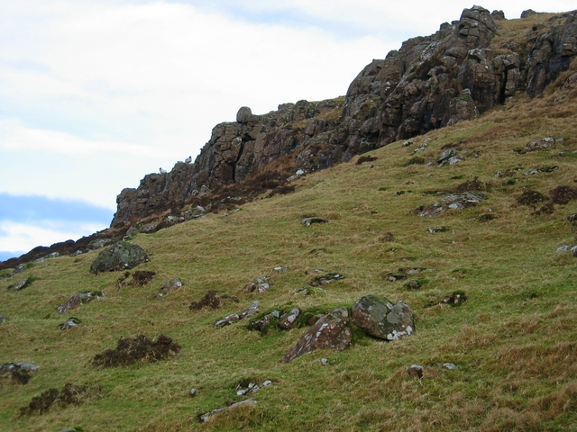 Crags south west of Ben Skriaig
