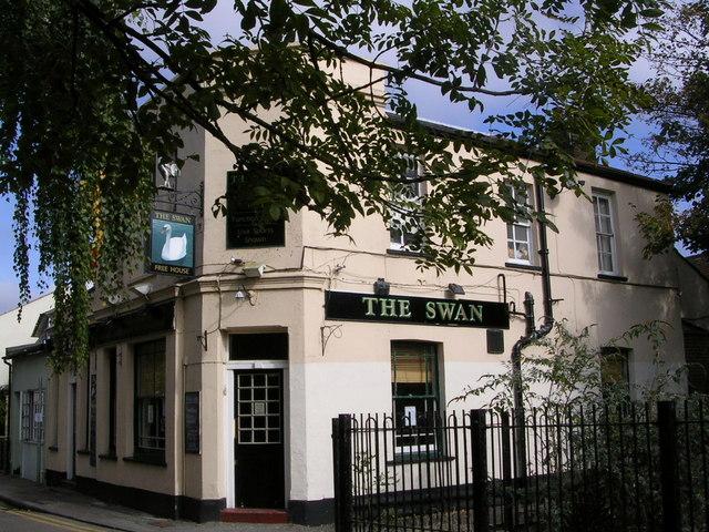 The Swan pub, Mill Street, Knights Park