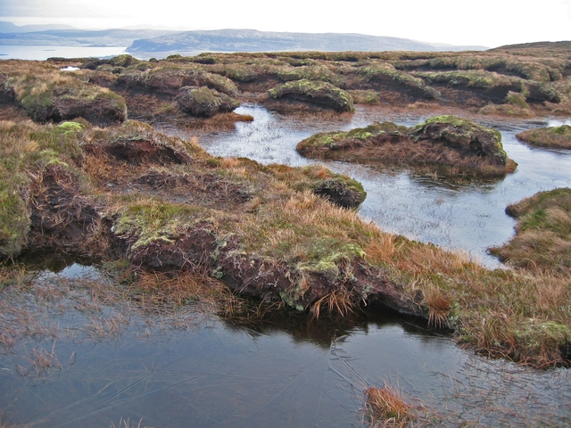 Peat hags between Ben Ettow and Ben Skriaig
