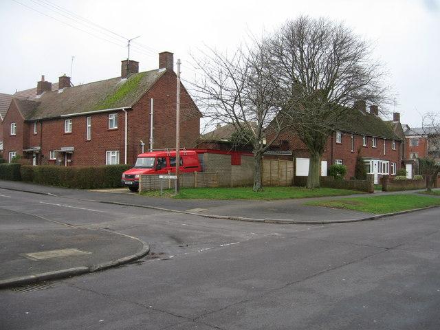 Baynard Close & Pemerton Road