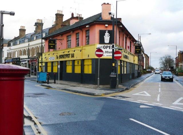 Junction of Queen Street and York Road