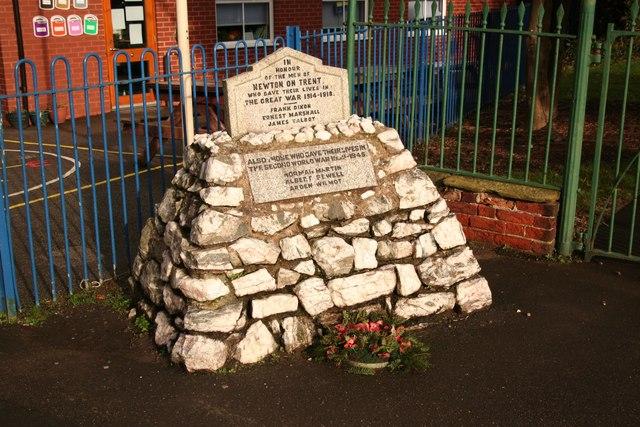 Newton-on-Trent war memorial