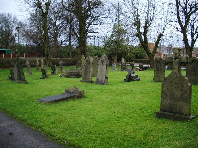 Parish Church of St Peter, Chorley, Graveyard