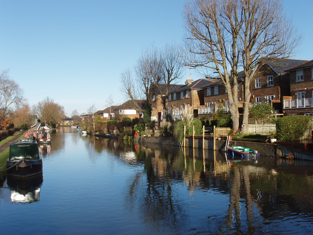 Canal with houses on Jacks Lane