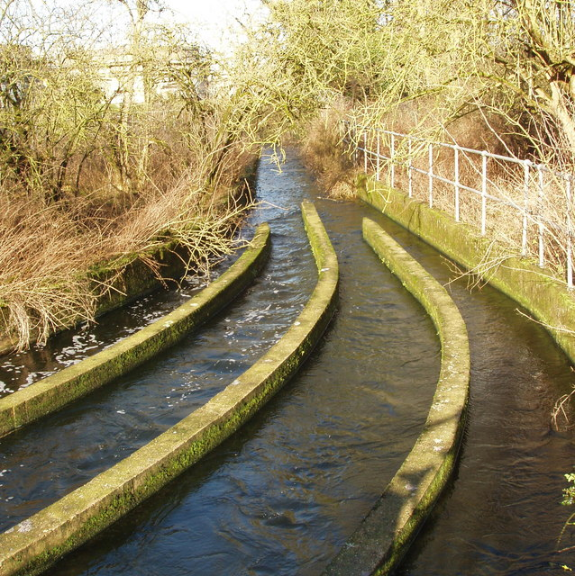 Outflow from sewage works to Grand Union Canal