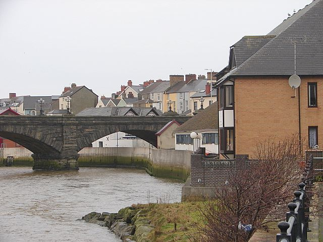 Flood defences alongside the Rheidol