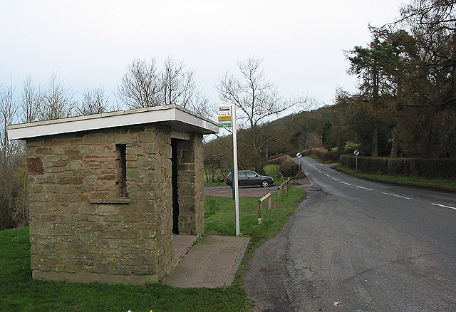 Bus shelter at King's Thorn