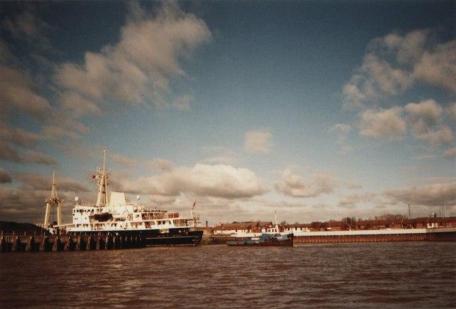 Entering Albert Dock